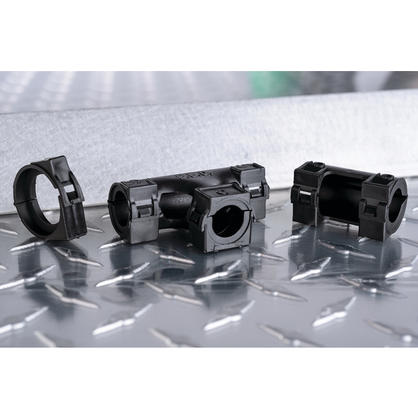 Hinged Convoluted Tubing T-Fitting, L- 0.75